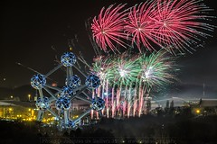 j8e_5765-ps3 - 2018 starts! (Jacques de Selliers, aka Third Eye) Tags: brussels bruxelles belgium fireworks january1st newyear deselliers jacquesdeselliers