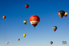 International Ballon Fiesta (Raúl Herreroc) Tags: canon albuquerque newmexico globo ballon nm aerostatico cielo azul eeuu outdoors sky estadosunidos usa show us unitedstates daylight fly volar colours colorful colors 550d