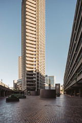 Barbican #VI (Alexander Rentsch) Tags: sonya7ii canontse17mmf4l greatbritain england london cityoflondon barbican architecture architektur urban city utopia scifi modernism future retro vintage colors colours farben geometry vscofilm
