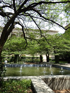Chicago, Art Institute of Chicago, South Garden, Fountain and Crabapple Trees
