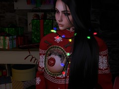 professional wrapper (Lola.Cat) Tags: christmas fakeicon secondlife rap rapper virtual uglysweater lola xmas slfashion tmd reindeer lildicky snoopdog wrapper present virtualgirls