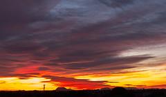 Atardecer en El Campello (mandoft) Tags: montaña atardecer cielo landscape antena rojo nube elcampello comunidadvalenciana españa es
