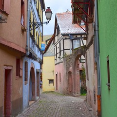 walk in Ribeauvillé (mujepa) Tags: lane street alsace ribeauvillé colors couleurs rue ruelle village