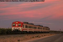 Atardeciendo (Adrián Valencia Martínez) Tags: renfe cercanias camello diesel 592 tren loriguilla valencia