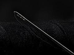 Needle & Yarn (tosch_fotografie) Tags: nadel garn dunkel schwarz makro stacking reflektion spiegelung details mikrokontrast kunst needle yarn black dark reflections macro art abstract abstrakt studio olympus penf 60mm f28