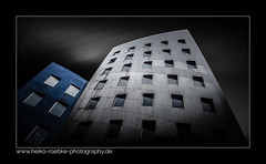 Gehry Tower Hannover (H. Roebke (offline for a while)) Tags: color de 2017 building stadtansicht farbe samsungs6 architektur gehrytower architecture germany blacksky gebäude lightroom hannover