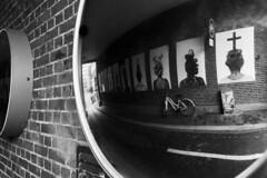 Mirror (PhotompNL) Tags: workshopstraatfotografie spiegeling mirror zwartwit blanc noir blancetnoir bw black white zwart wit negro amsterdam fekete fehér grain canoneos5dmarkii canon eos 5dmkii sigma