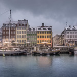 Snowy Weather in Nyhavn thumbnail
