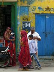 nawalgarh 2017 (gerben more) Tags: nawalgarh rajasthan colours colors india people woman man