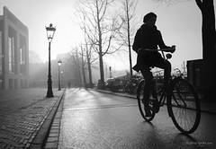 Quiet holidays (Rolling Spoke) Tags: bike bicycle bici bicicleta bicicletta ciclismo fiets fahrrad velo street streetphotography bnw blackandwhite fog cycle cycling amsterdam canon eos5d