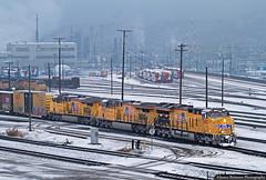 Frosty GEVOs in Salt Lake City (jamesbelmont) Tags: unionpacific mhkro northyard saltlakecity utah ge es44ac es44ah et44ah utahtransitauthority warmsprings tesororefinery