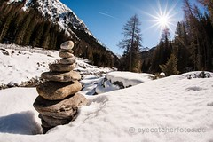 cairn valley (eyecatcherfotos) Tags: arrangement art attraction balance concept conceptual day destinations equilibrium gravel group harmony heap nature outdoors peace peaceful pebble pile rock rocky round sculptures shape size small stability stack stacked top travel variety gestapelt steine anordnung ruhe exemplar serenity steinhaufen cairn austria relax winter mountain recreation winterscene winterlove snow earth explorer adventure wanderlust silence inspiration berg schnee himmel sky blue white sun nopeople
