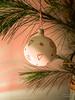 Weihnachtskugel (gartenzaun2009) Tags: advent kerze weihnachten weihnachtskugelherz