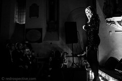 Sarah Darling-9807 (redrospective) Tags: 2017 20171208 december2017 london sarahdarling stpancrasoldchurch blond blondhair blonde blondehair church concert gig glitter green hair human live music people person singer singersongwriter woman blackwhite blackandwhite mono monochrome concertphotography photography