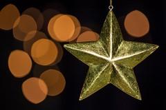 355/365 (neals pics) Tags: 365the2017edition 3652017 day355365 21dec17 star christmas decoration lights gold festive seanonal season iconic faith religion