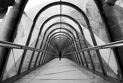 (cherco) Tags: repetition repeticion perspectiva profundidad lonely light luz lines loner lineas woman alone aloner arch arco paris puente bridge zigzag blackandwhite blancoynegro composition composicion canon city ciudad chica street calle geometry geometric geometria perspective vanishingpoint france arquitectura architecture