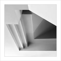 Eixe tímid racó XIV / That shy corner XIV (ximo rosell) Tags: ximorosell bn blackandwhite blancoynegro bw buildings valencia llum luz light arquitectura architecture abstract abstracció nikon d750 detall squares spain stairs
