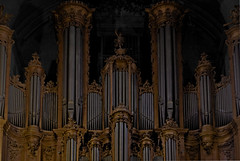 Le grand orgue (N.Hell) Tags: orgue organ piano music church cathedral canon 50mm symmetry dark god religion