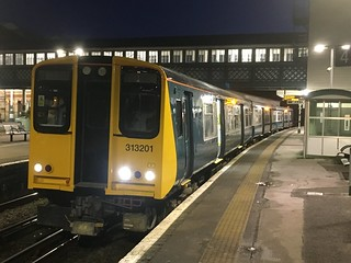 313201 at Lewes, en route to Brighton with the 06.57 service from Seaford. Thursday 28th December 2017. (2F38).