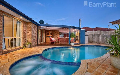 2 Stacey Ct, Endeavour Hills VIC 3802