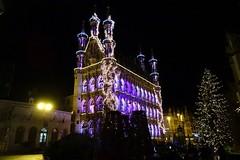 20171229 20 Leuven - Stadhuis (Sjaak Kempe) Tags: 2017 winter sjaak kempe sony dschx60v belgië belgique belgium vlaamsbrabant leuven louvaine stadhuis city hall hôtel de ville kerst kerstverlichting christmas lights noël