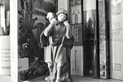 Camino a Belén. (spawn5555) Tags: cotidiano nacimiento pastor navidad natale objeto figura macro pequeño nikon d3000 fotografía photography casa home
