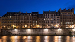 Paris (Yann OG) Tags: paris parisian parisien france français french seine river fleuve îledelacité cité heurebleue bluehour sigma 30mm architecture cityscape quaidelhorloge