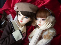 Lily and Rose (Mrs. Featherstone) Tags: volks bjd f62 lorina jo march sdgr sd13 fcs ball jointed doll