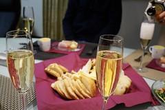 DSC02306.JPG (kabamaru.k) Tags: hiro newyear wine cheese glass meal bread