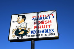 Stanley´s (Daquella manera) Tags: chicago illinois stanleys stanley´s fresh fruit vegetables best season pipe pipa watermelon smoke plane smoking