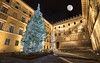 Piazza Salimbeni - Siena (Italy) (Andrea Moscato) Tags: andreamoscato italia toscana palazzo palace square piazza statue statua strada street via night notte notturno dark danmark city città town ombre shadow luci light tree albero moon luce edificio buildings old ancient history historic centro storico central tuscany architecture architettura