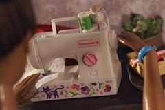 handmade gifts. sewing (kinmegami) Tags: rement miniature dollhouseminiature handmade barbie barbiemadetomove christmas sewing machine kawamoto cookie box