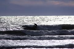 Argento liquido (meghimeg) Tags: 2017 imperia portomaurizio surf uomo man mare sea onde wave cielo sky argento silver
