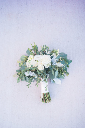 "White Ethereal Bouquet • <a style=""font-size:0.8em;"" href=""http://www.flickr.com/photos/81396050@N06/39198663191/"" target=""_blank"">View on Flickr</a>"