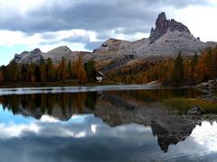 becco di mezzodì (asphodelo72) Tags: dolomiti montagne autunno becco di mezzodì lago palmieri luna monte civetta