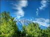 Nubes sobre los Alpes (etoma/emiliogmiguez) Tags: austria österreich alpes hallintirol tirol árboles montañas nubes
