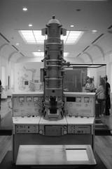 (busy.pochi) Tags: 135 24x36 35mm 400iso bw kentmere400 nb nationphotolab ultron voigtländer voigtländerbessar voigtländerultron35mmf17 analog argentique film pellicule muséedesartsetmétiers cnam microscope museum