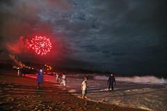 Happy new year !! (alestaleiro) Tags: fireworks fuegos fuegosartificialespirotecniapiromanypirotecnyestaleiropraia do estaleiroviradaréveillon2018new yearhappynewyear alestaleiro