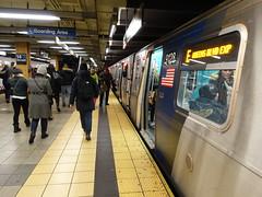 201712025 New York City subway station '14th Street' (taigatrommelchen) Tags: 20171250 usa ny newyork newyorkcity nyc manhattan chelsea icon urban railway railroad mass transit subway tunnel station train mta r160b