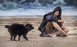 Der Hund, der Mann und das Meer
