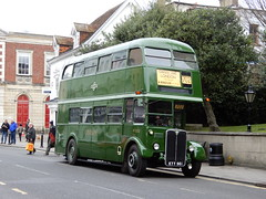 London Country RT3232 - KYY 961 (Berkshire Bus Pics) Tags: london country rt3232 kyy961 aec regent windsor
