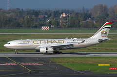 A330 A6-EYU Etihad 1 (Avia-Photo) Tags: airport airline airliner aviacion aeroplane airplane aircraft airlines airliners avion airbus aviation dus eddl flugzeug jet luftfahrt plane planespotting pentax spotter widebody
