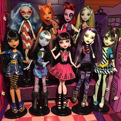 Monster High - Picture Day Collection (MyMonsterHighWorld) Tags: monster high mattle picture day 2011 2012 2013 cleo de nile abbey bominable draculaura spectra vondergeist frankie stein lagoona blue operetta ghoulia yelps scooter toralei stripe basic fashion pack mattel mh