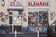Blanarie (Rosetta Bonatti (RosLol)) Tags: bucarest bucharest bucuresti romania rosettabonatti roslol blanarie abandoned shop window shopping decay urban heads teste manichini