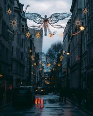 2017-12-16-0005 (Kevin Maschke) Tags: london fuji fujifilm fujifilmxt2 fujixt2 fujix city londoncity londonstreets christmas christmaslights londonchristmas christmaslondon