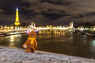 Gingerbread man in Paris
