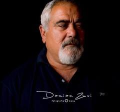 Retrato de un gran hombre (damianzuvi) Tags: damianzuvi lowkey clavebaja 35mm nikon3200