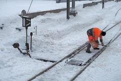 Ilanz -  Station RhB (Kecko) Tags: 2017 kecko swiss switzerland schweiz suisse svizzera graubünden graubuenden gr ilanz glion rhätischebahn rhaetian railway railroad bahn viafierretica rhb eisenbahn station bahnhof snow winter weiche turnout switch europe swissphoto geotagged geo:lat=46775450 geo:lon=9208660
