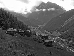 C'era una volta ... (giorgiorodano46) Tags: agosto2010 august 2010 giorgiorodano volovron evolène valdhérens vallese valais wallis svizzera suisse schweiz switzerland bw blackwhite biancoenero mountain hameau borgo alpeggio alpage alpi alpes alpen alps landscape