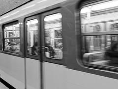 Métro, Paris, France (maradesbois79) Tags: paris metro underground subway noiretblanc blackandwhite ratp panasonic lumix gm5 train fenêtre window personnes people